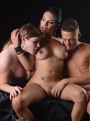 Horny Tiffany fucking Foxxy with Levi